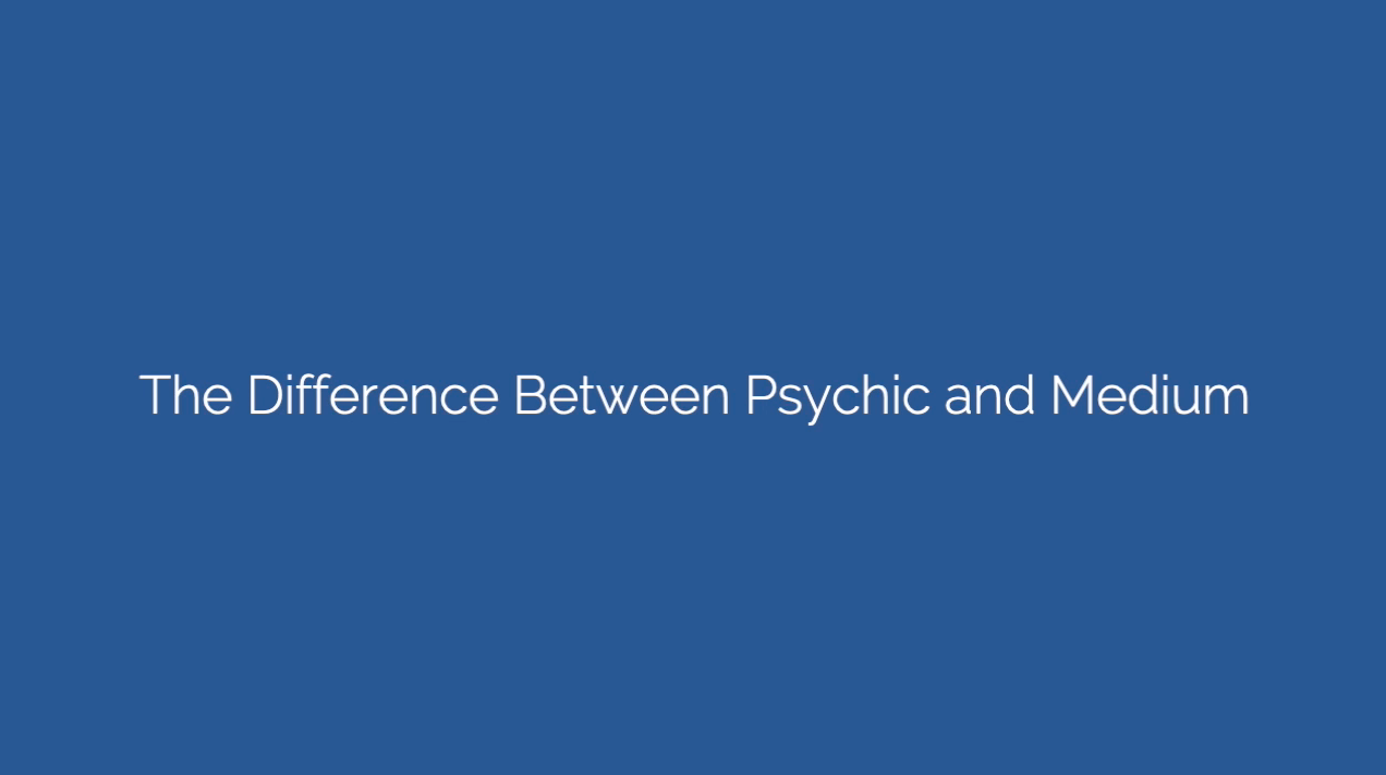 the difference between psychic and medium
